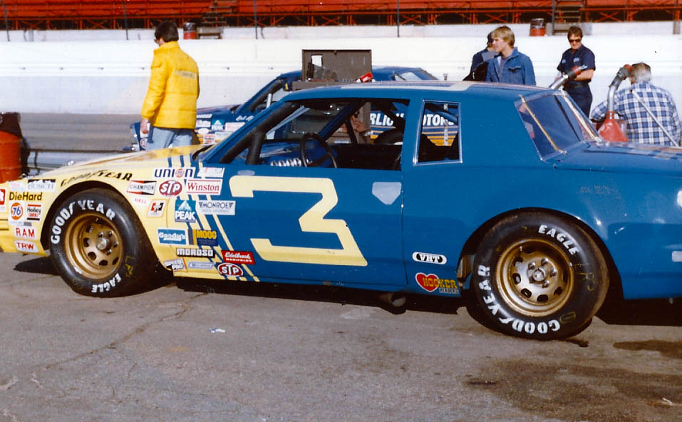 Roy Robinson Chevrolet >> November 28, 1982 - Bobby Allison Wins Out West